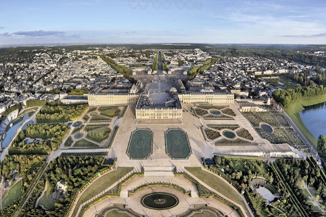Vue d 39 ensemble du parc et des jardins proches du ch teau depuis l 39 ouest dans le grand parc de - Histoire des arts les jardins de versailles ...