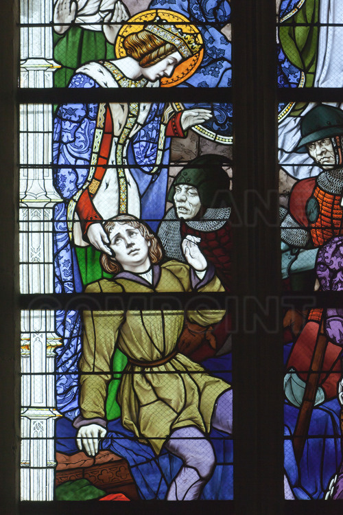Orleans, where the army of Joan of Arc defeated the English May 8, 1429: Inside the Cathedral of Holy Cross, serial of nine stained glass made ​​by Eugene Grasset and representing the epic of Joan of Arc. 8 /