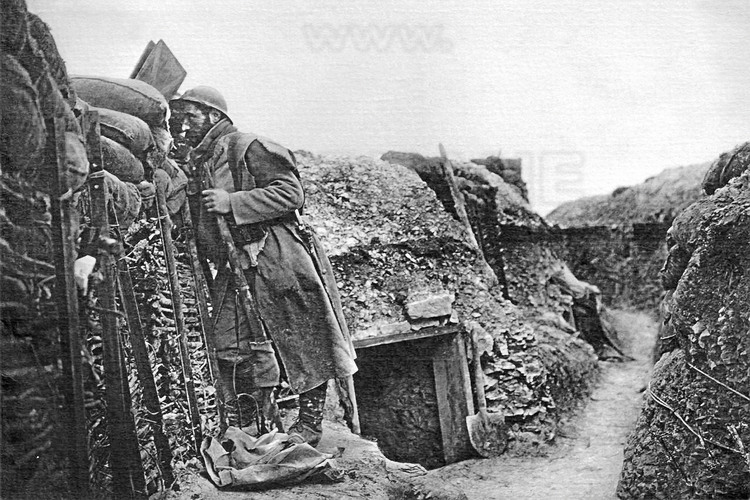 Battle of Verdun: French Front line trench on the battlefield of Verdun during the Great War. (This historic photo archive is not available for sale and only presented here to set the context).