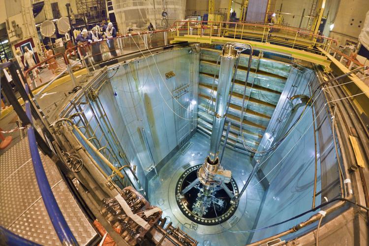 C ur de la centrale nucl aire cluber for Piscine nucleaire